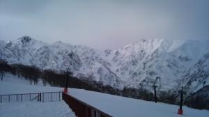 左が五竜岳と右の白馬岳