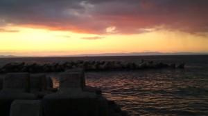 夕暮れの日本海と能登半島